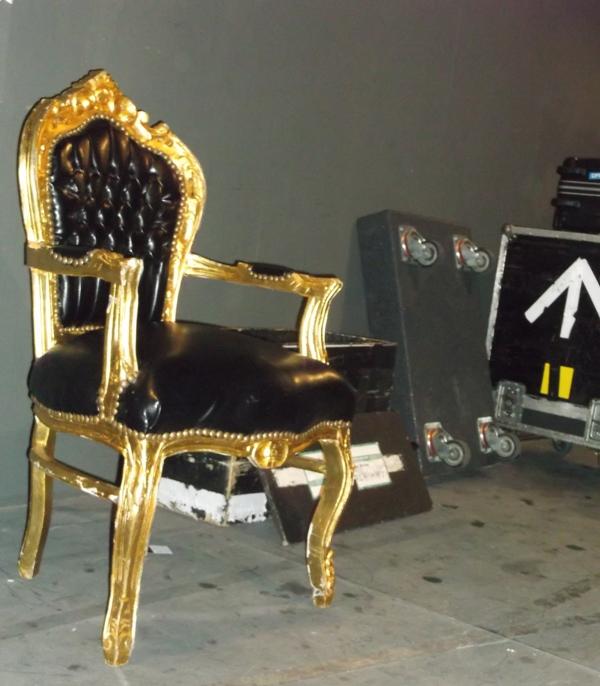 il trono su cui sedeva Jim Kerr nelle pause 600
